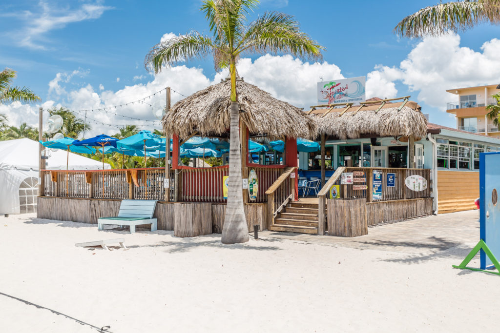 The Best Waterfront Beach Bar Sports Grill In St Pete Is Toasted Monkey At Howard Johnson S Hotel 6110 Gulf Blvd